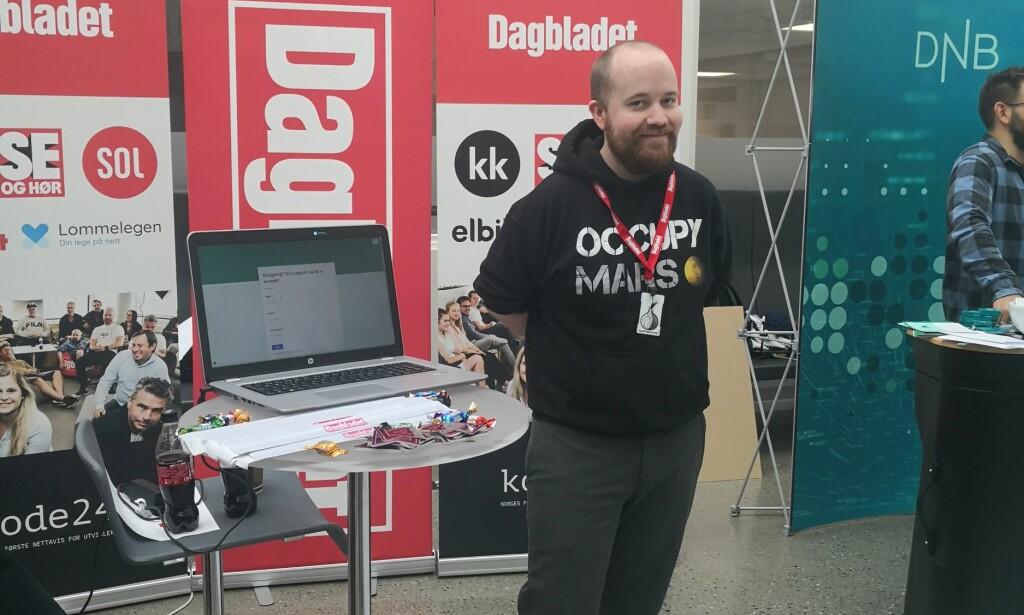 Tor Henning Ueland på stand - fra karrieredagen på NTNU Gjøvik. FOTO: Anita Kristoffersen